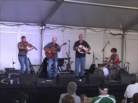 An Dro at Milwaukee Irishfest 2012 Hurdy Gurdy Girls